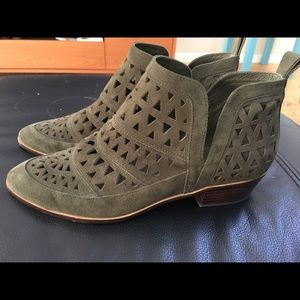 Green booties size 9m
